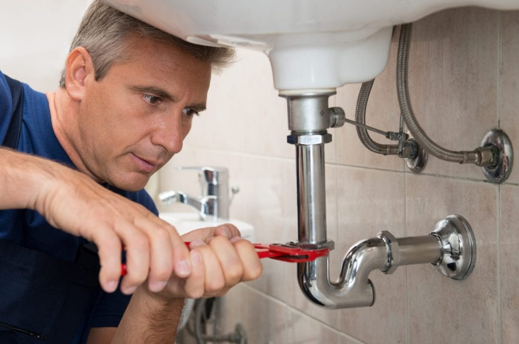 pipe inspection tips to help homeowners with drain cleaning